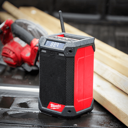 M12™ Radio + Charger with DAB+