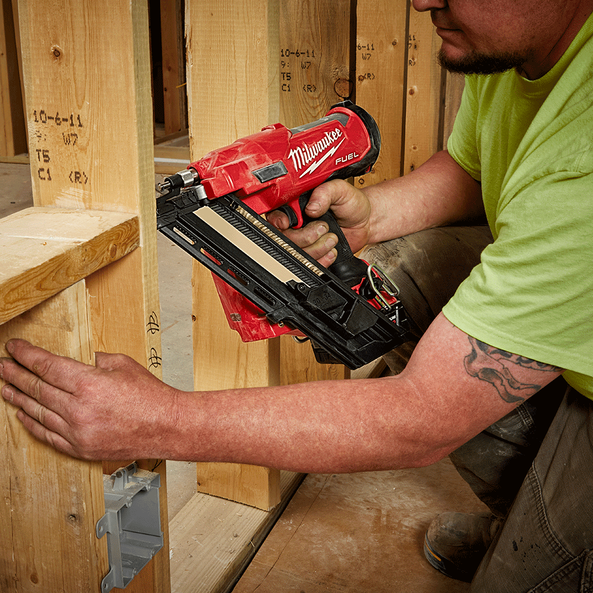 M18 FUEL™ 30° - 34° Framing Nailer (Tool Only), , hi-res