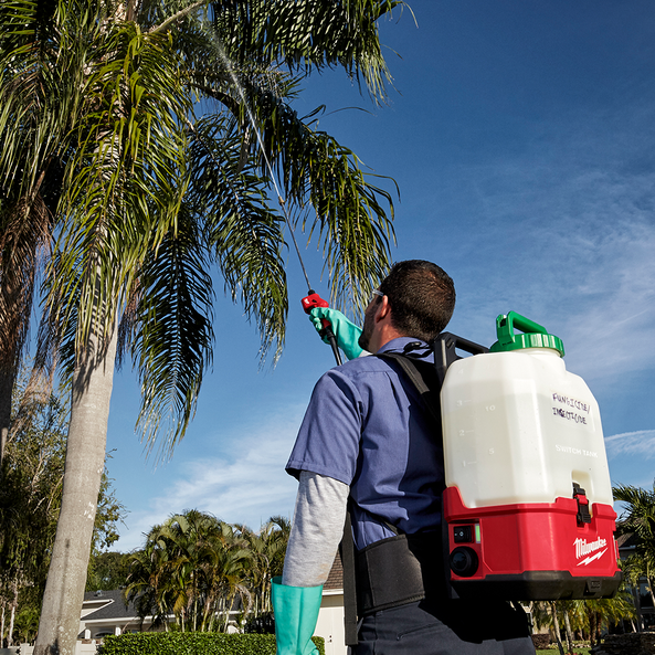 SWITCH TANK™ 15L Backpack Chemical Sprayer w/ Powered Base